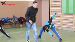 Йордан Петров тренира деца в ОУ Йордан Йовков