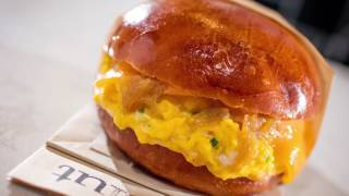 Repeat youtube video Chef Alvin Cailan | The Fairfax Sandwich at Eggslut