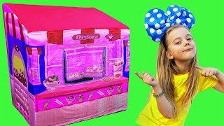 Pretend play minnie mouse toy and  garden playhouse tent