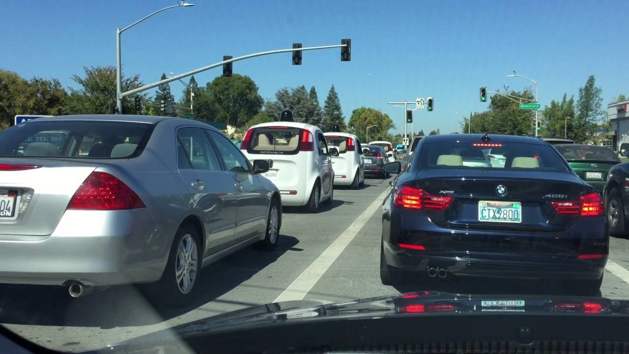 "Waymo self-driving vans having ""trouble turning left"""