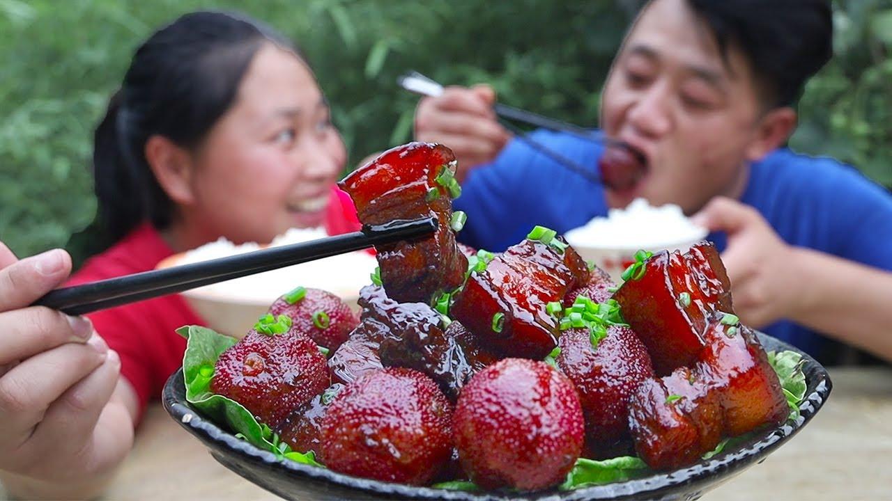 胖妹真有才,20粒杨梅,配3斤肉炖一锅,酸爽开胃不油腻,老香了