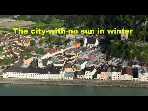 City with no sun in winter : Rattenberg, Austria