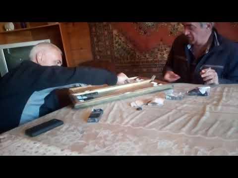 Армяне играют 13 партию нард