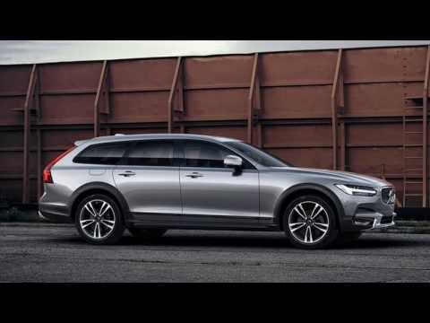 Volvo recalls XC90, S90 and V90 Cross Country vehicles