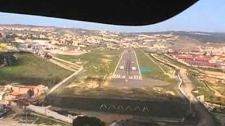 Aterrizaje en Melilla desde cabina. Pista 33. 17/03/2011 DA42 CESDA Antonio Aranda