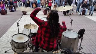 Aerosmith - I Don't Want to Miss a Thing Street drummer, Chile