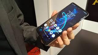 S-MAX:シャープ製の5G対応スマートフォン「AQUOS R5G」の主な特徴などを説明員に聞いてみた