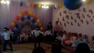 Танец Майкл Джексон с девочкой. Детский танец. Танец в детском саду