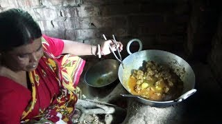 Rural Women Cooking Delicious Mutton Curry ll Indian Village Cooking style