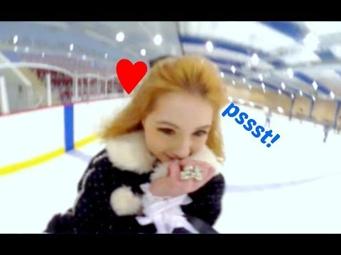 360° ICE SKATING IN DOLLY CLOTHES ♥