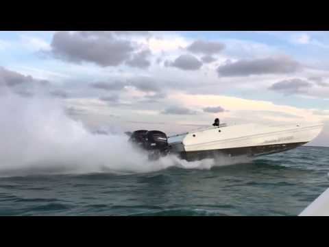 American Offshore 3100 - 300x Outboards