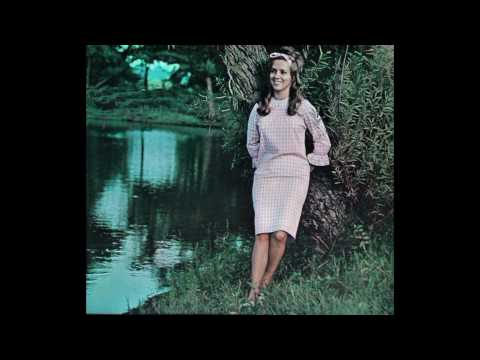 Connie Smith, whispering hope. | Album: Young Love