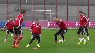 FC Bayern Munich - piggy in the middle - 6 vs 1 - Robben Schweinsteiger Dante