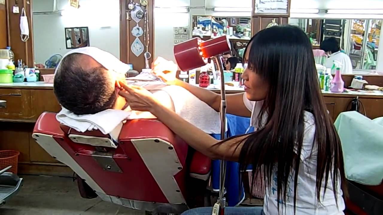 Barber Youtube : barber shop pattaya earcleaning - YouTube