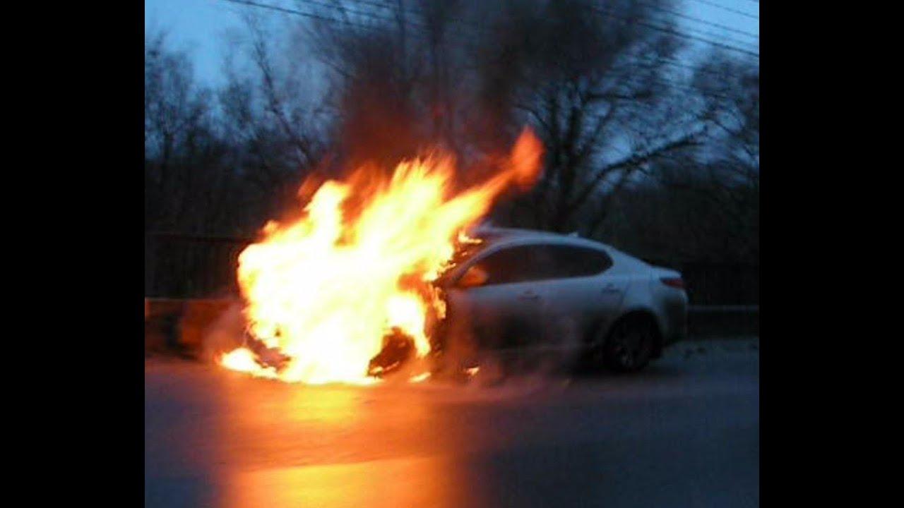 На федеральной трассе «Кола» загорелся автомобиль