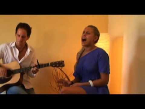 Linda Teodosiu sings David Guetta