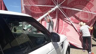 Lietussargs auto priekšējā stiklā. Зонт в лобовом стекле авто(1)