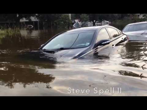 Great Flood of 2016 - Ford Truck Under Water in Louisiana Flooding - Car Insurance