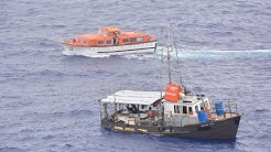 Dramatische Rettung: MS ALBATROS rettet 6 Fischer aus Tonga - Phoenix Reisen Exklusiv Video