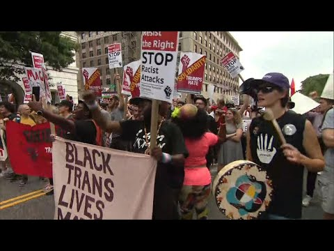 Counterprotesters drown out white supremacists rally