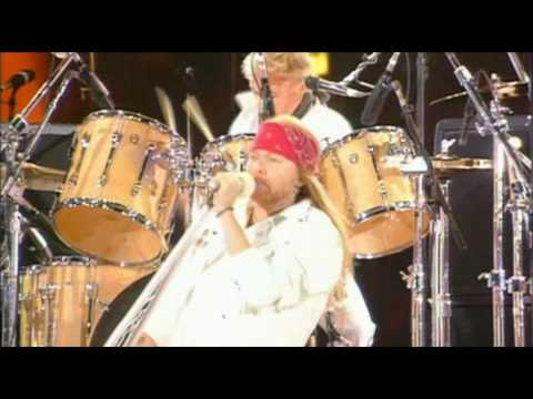 Queen & Axl Rose – We Will Rock You – HD.