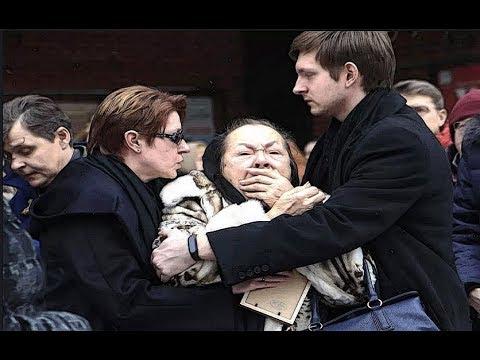 Что вытворяла Раиса Рязанова на похоронах единственного сына