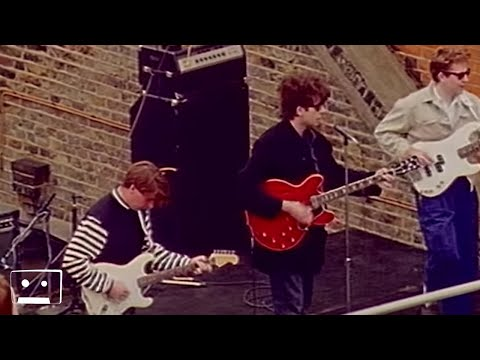 Echo and the Bunnymen - Twist & Shout (Official Music Video)