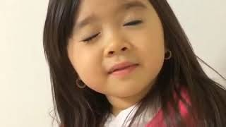 Download Video Cute Baby kissing hot video MP3 3GP MP4