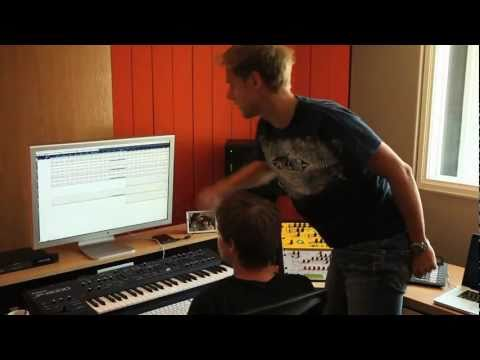 Ferry Corsten WKNDR Episode 2: Ferry & Armin in the studio!