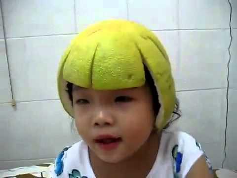 Cười mỏi miệng với bé 2 tuổi hát Teen vọng cổ (2).mp4 - YouTube