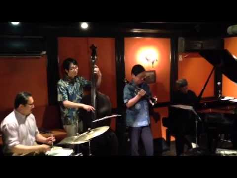 Twilight Special Jazz & Bar em's Pro-Ama Quartet (e-PAQ) on 12 July 2014(Avalon)