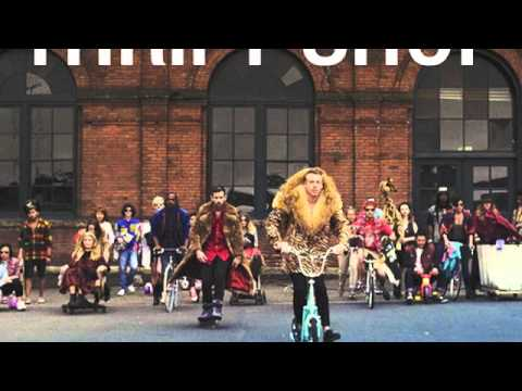 Macklemore x Ryan Lewis - Thrift Shop (feat. Wanz)