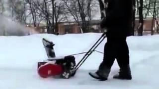 Электрический снегоуборщик Ikra Mogatec смотреть