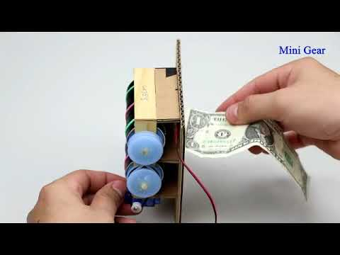 DIY Piggy Bank for Coins and Cash Notes
