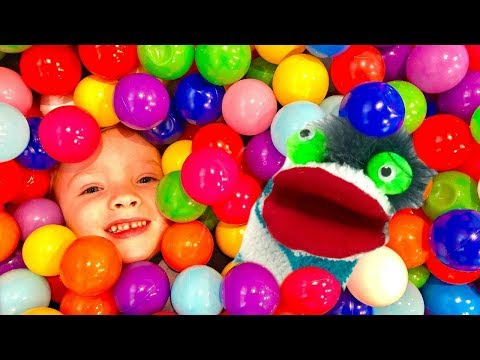 Kids Learn Colors with Fizzy Toy Shows Indoor Playground Ball Pit