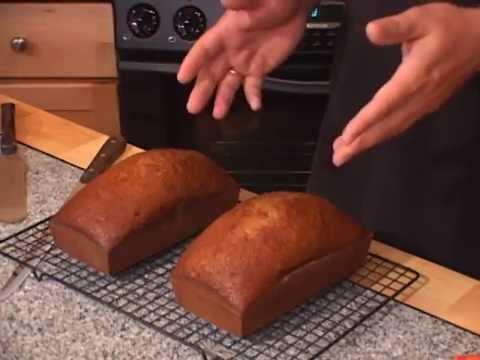 Ukraivin - Medeevnyk (honey cake/bread) clip excerpt
