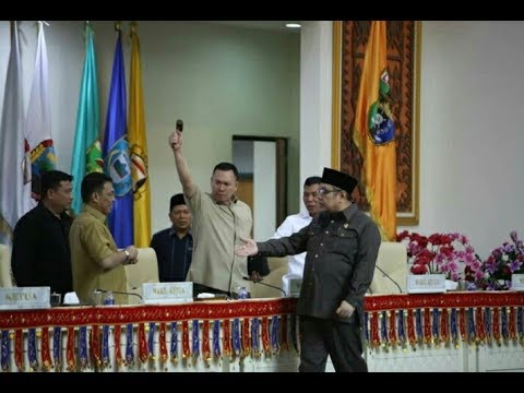Detik-detik Kericuhan Sidang Paripurna Pembentukan Pansus Money Politics Pada Pilgub Lampung 2018