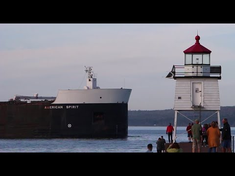 American Spirit - Arrival and Docking in Two Harbors