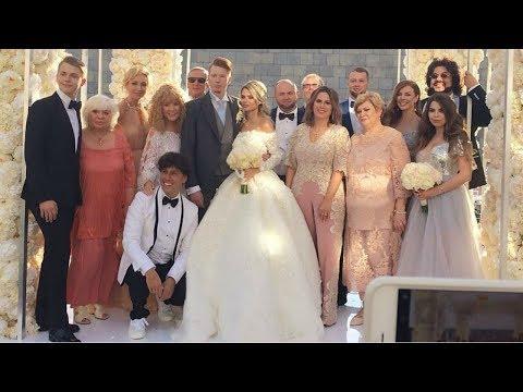Свадьба Никиты Преснякова и Алены Красновой, на которой присутствовали 200 гостей, состоялась - Как поздравить с Днем Рождения
