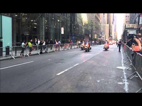 UNITED STATES PRESIDENT BARACK OBAMA & HIS MOTORCADE CRUISING THROUGH MIDTOWN, MANHATTAN, NEW YORK.