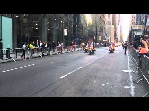 UNITED STATES PRESIDENT BARACK OBAMA & HIS MOTORCADE CRUISING THROUGH MIDTOWN, MANHATTAN, NEW YORK.