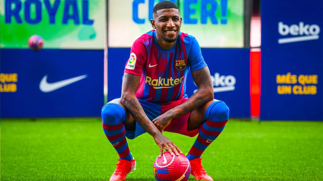 EMERSON ROYAL steps on the Camp Nou for the FIRST TIME! - YouTube