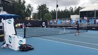 Novak Đoković Igra Tenis Sa Decom Posle Treninga   SPORT KLUB TENIS