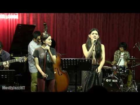 Monita Tahalea ft. Indra Lesmana & Eva Celia - Message in a Bottle @ Mostly Jazz 24/10/13 [HD]