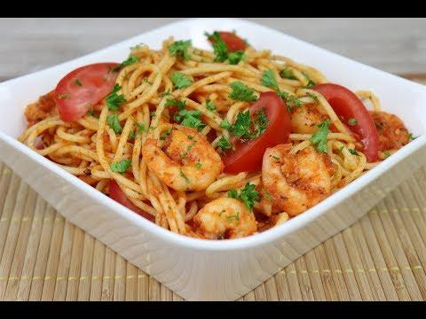 Спагетти с креветками в томатно   чесночном соусе