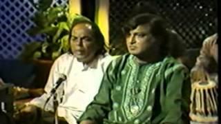 Download Chadhta suraj dheere dheere dhalta hai dhal jaaega, Aziz Naza live at Canada MP3 song and Music Video