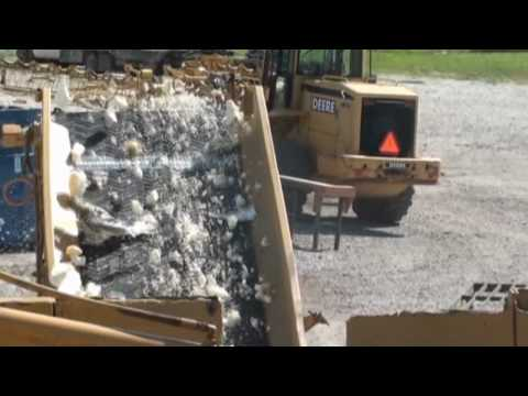 Rome Stomas Mawler Model 3300 Recycling & Waste Reduction Machine - Demo Part 2