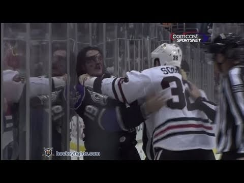 John Scott vs Kevin Westgarth Nov 27, 2010 - Chicago feed