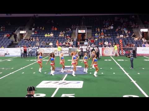 Texas Revolution Dancers: Shawty got Moves 2014