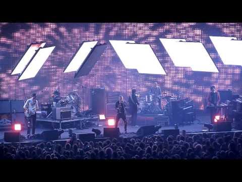 Radiohead - Lotus Flower [HD] LIVE In Melbourne
